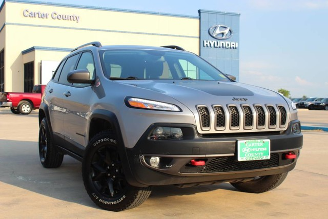 Pre-Owned 2016 Jeep Cherokee Trailhawk WITH LOW MILES READY FOR ANY ADVENTURE