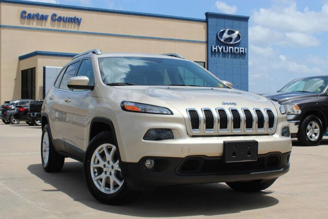 Pre-Owned 2015 Jeep Cherokee Latitude SUV WITH AMAZING FEATURES AND GREAT FUEL MILEAGE