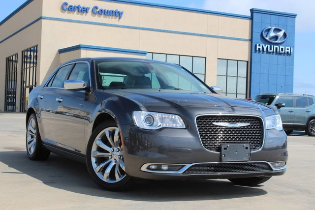 Pre-Owned 2018 Chrysler 300 Limited LOW MILES AND LOADED WITH AMAZING AMENITIES