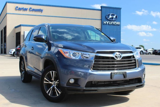 Pre-Owned 2016 Toyota Highlander XLE THAT RUNS INCREDIBLE AND IS LOADED WITH COOL FEATURES