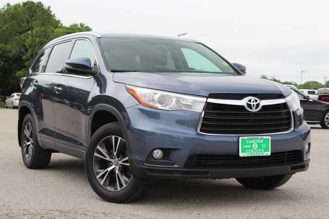 Pre Owned 2016 Toyota Highlander Xle All Wheel Drive Very Low Miles Nice Suv