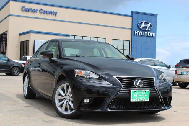 Pre-Owned 2016 Lexus IS 300 LOW MILES AND TOP OF THE LINE IN SUPERIORITY MUST SEE