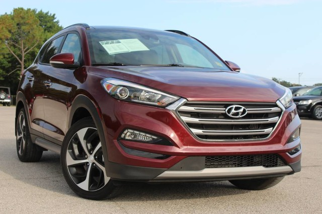 Good Pre Owned 2017 Hyundai Tucson Limited ONE OWNER LEATHER LOADED GREAT GAS  MILEAGE