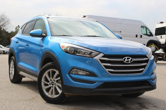 Pre-Owned 2017 Hyundai Tucson SE ONE OWNER LOW MILES GREAT GAS MILEAGE