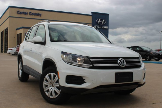 Pre-Owned 2017 Volkswagen Tiguan S CLEAN CARFAX AND LOW LOW MILES THAT IS A MUST SEE