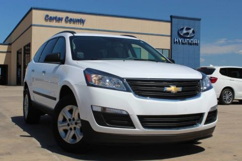 Pre-Owned 2017 Chevrolet Traverse LS MUST SEE CLEAN CARFAX AND ONE OWNER VEHICLE