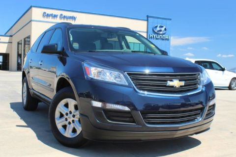 Pre-Owned 2017 Chevrolet Traverse LS LOW MILES WITH AMAZING FEATURES INSIDE AND OUT