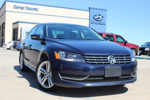 Pre-Owned 2015 Volkswagen Passat 2.0L TDI SE w/Sunroof, LEATHER, AND LOADED DIESEL
