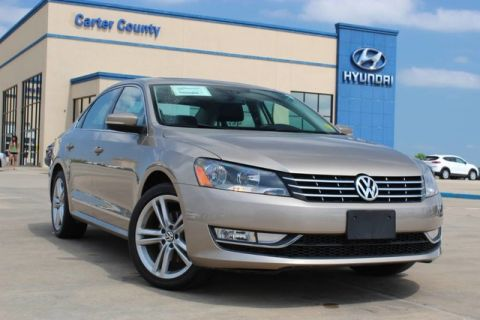 Pre-Owned 2015 Volkswagen Passat 2.0L TDI SEL Premium DIESEL, LEATHER LOADED AND PRISTINE
