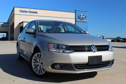 Pre-Owned 2013 Volkswagen Jetta Sedan TDI w/Premium/Nav AND MANY OTHER GREAT FEATURES