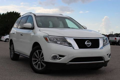 Pre-Owned 2016 Nissan Pathfinder S GREAT CONDITION VERY LOW MILES FRESH TRADE IN